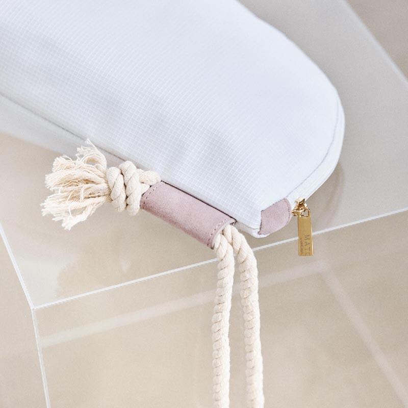 budding pouch 1 white
