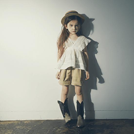 MARLMARLのshorts/ボーイッシュ・カジュアルに偏りがちな女の子のパンツスタイルをかわいく、品のあるおしゃれなアイテムに。