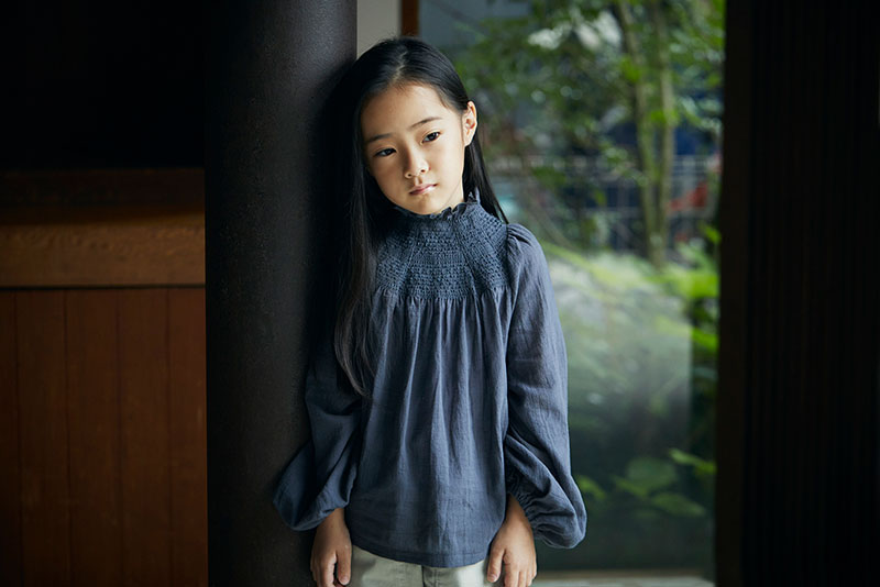 blouses 3 shirring navy / baby size ¥8,250 ・ kids size ¥8,800   出産祝い・ギフトならMARLMARLのスタイ